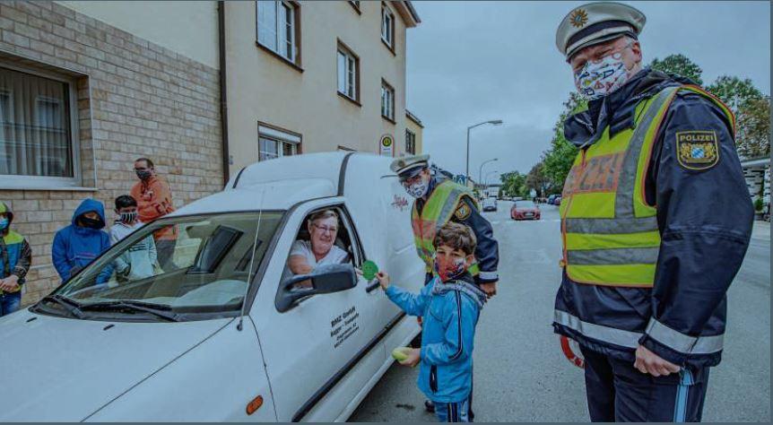 Smiley-Aktion für Autofahrer